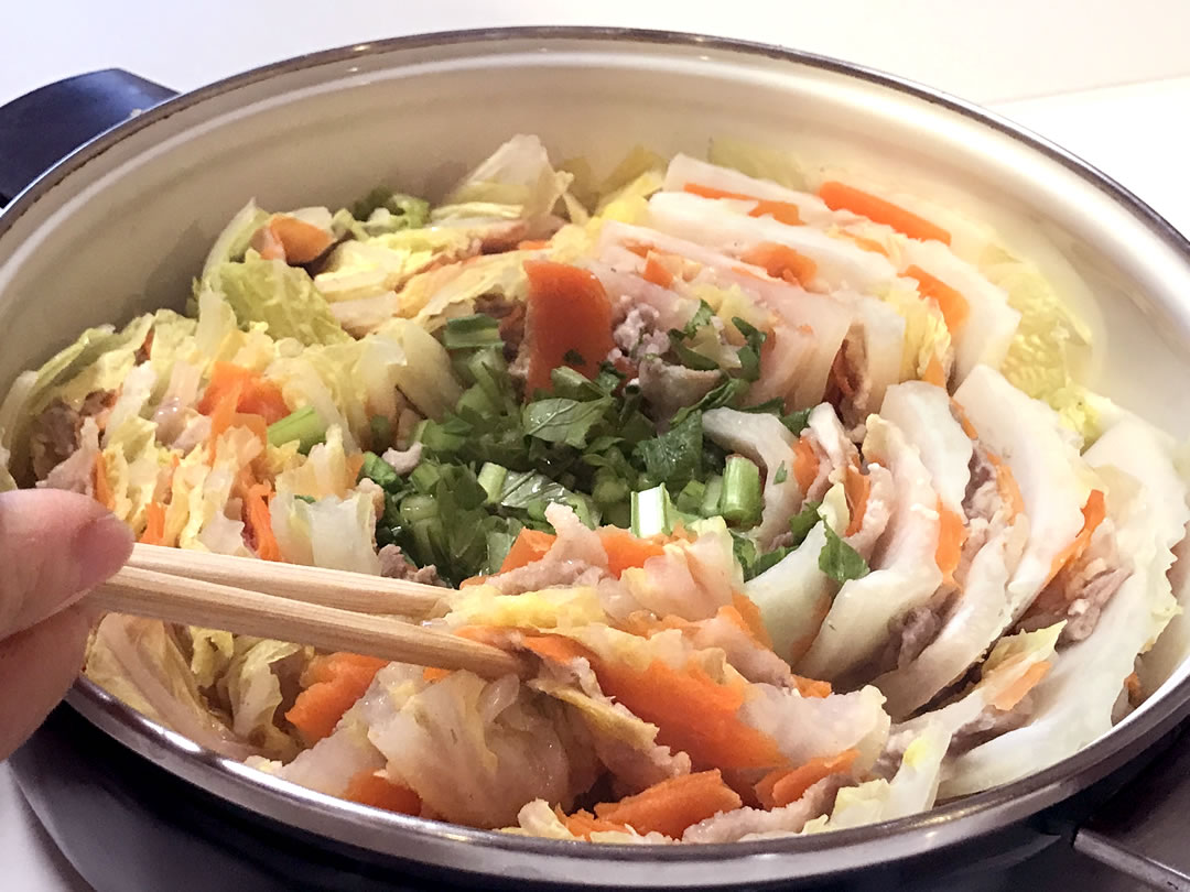 ミルフィーユ 白菜 の 豚 バラ と 白菜と豚肉の重ね蒸し